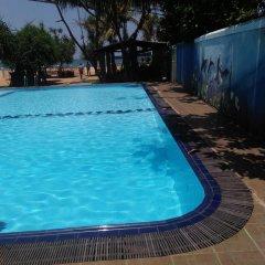 Отель Green Shadows Beach Hotel Шри-Ланка, Ваддува - отзывы, цены и фото номеров - забронировать отель Green Shadows Beach Hotel онлайн бассейн фото 3