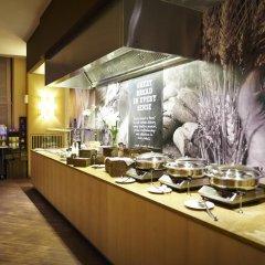 Отель Ramada Plaza Antwerp Бельгия, Антверпен - 1 отзыв об отеле, цены и фото номеров - забронировать отель Ramada Plaza Antwerp онлайн питание фото 2