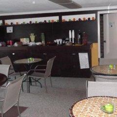 Отель Claremont Hotel Las Vegas США, Лас-Вегас - отзывы, цены и фото номеров - забронировать отель Claremont Hotel Las Vegas онлайн питание