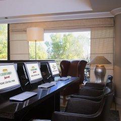 Отель Courtyard Rome Central Park удобства в номере фото 2