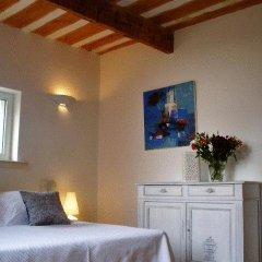 Отель Le Mas de la Treille Bed & Breakfast 3* Улучшенный номер с различными типами кроватей фото 7
