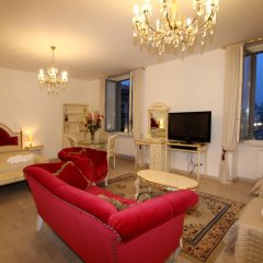 Апартаменты Glamour Apartments комната для гостей фото 17