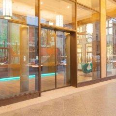 Отель Motel One Berlin-Potsdamer Platz Германия, Берлин - отзывы, цены и фото номеров - забронировать отель Motel One Berlin-Potsdamer Platz онлайн интерьер отеля