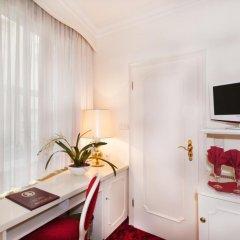 Hotel Amadeus 4* Стандартный номер с различными типами кроватей фото 2