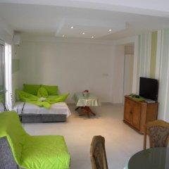 Апартаменты Apartments Rafailovici комната для гостей