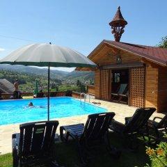 Гостиница Альпийский Двор Украина, Волосянка - 1 отзыв об отеле, цены и фото номеров - забронировать гостиницу Альпийский Двор онлайн бассейн