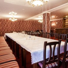 Гостиница Izumrud в Иркутске отзывы, цены и фото номеров - забронировать гостиницу Izumrud онлайн Иркутск питание