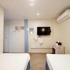 Отель K-guesthouse Sinchon 2 2* Стандартный номер с 2 отдельными кроватями фото 3