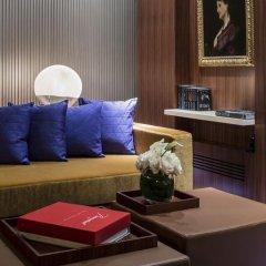 Hotel de Sers-Paris Champs Elysees 5* Улучшенный номер с различными типами кроватей фото 20