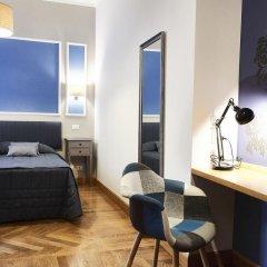 Отель Domus Cavour 3* Стандартный номер с двуспальной кроватью фото 10