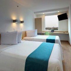 Отель One Guadalajara Expo 3* Улучшенный номер с 2 отдельными кроватями