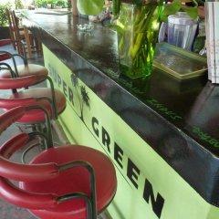 Super Green Hotel бассейн