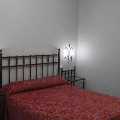 Отель Hostal Roma Стандартный номер с двуспальной кроватью фото 3