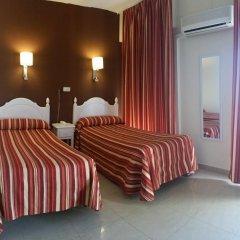 Отель Hostal Sonia Стандартный номер с различными типами кроватей фото 7