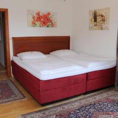 Отель Amadeus Pension 3* Стандартный номер с двуспальной кроватью фото 9
