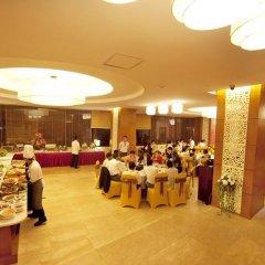 Muong Thanh Grand Ha Long Hotel 4* Номер Делюкс с различными типами кроватей фото 7