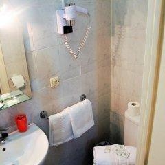 Отель Pension Antonio Испания, Мадрид - отзывы, цены и фото номеров - забронировать отель Pension Antonio онлайн ванная