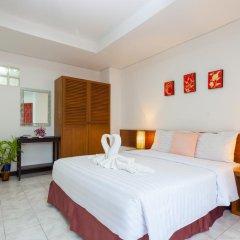 Отель Karon Sunshine Guesthouse & Bar 3* Улучшенный номер с различными типами кроватей фото 18