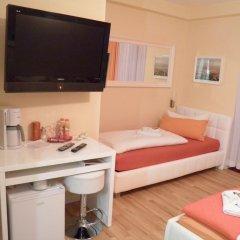 Отель City Guesthouse Pension Berlin 3* Стандартный семейный номер с разными типами кроватей