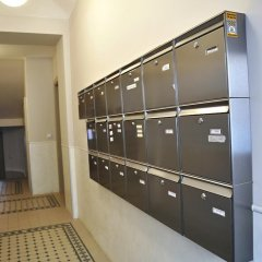 Апартаменты Family Apartments Прага сейф в номере
