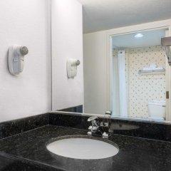 Отель Days Inn Lebanon Fort Indiantown Gap 2* Номер Делюкс с различными типами кроватей фото 3