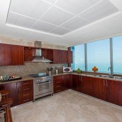 Отель JA Oasis Beach Tower Апартаменты Делюкс с различными типами кроватей фото 3