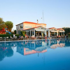Отель Elvita Spata Luxurious Villa бассейн фото 3