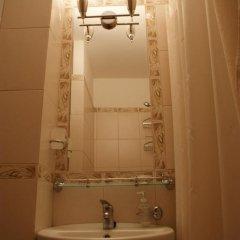 Гостевой дом Helen's Home Стандартный номер с двуспальной кроватью (общая ванная комната) фото 9