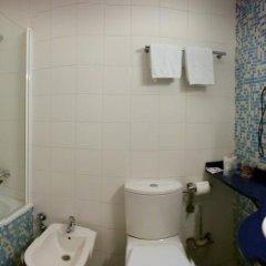 Отель Cosmopol Испания, Ларедо - отзывы, цены и фото номеров - забронировать отель Cosmopol онлайн ванная фото 2