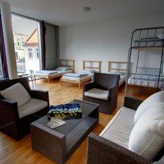 Heart of Gold Hostel Berlin Кровать в общем номере с двухъярусной кроватью