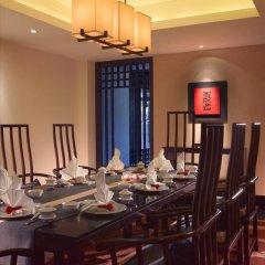 Отель Banyan Tree Lijiang 5* Вилла разные типы кроватей фото 15