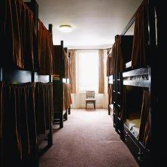 Отель Palmers Lodge Swiss Cottage Кровать в общем номере фото 14
