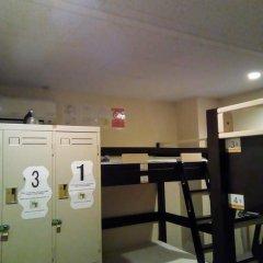 International Hostel Khaosan Fukuoka Кровать в общем номере фото 4
