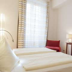 Отель Goldener Schlüssel 3* Стандартный номер с двуспальной кроватью фото 9
