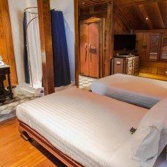 Отель Burasari Heritage Luang Prabang 4* Улучшенный номер с различными типами кроватей фото 2