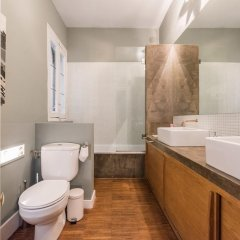 Отель Chic Rentals Plaza Santa Ana ванная