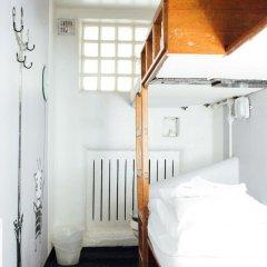 Clink78 Hostel Стандартный семейный номер с двуспальной кроватью (общая ванная комната) фото 7