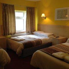 Acton Town Hotel 2* Номер с общей ванной комнатой с различными типами кроватей (общая ванная комната) фото 5