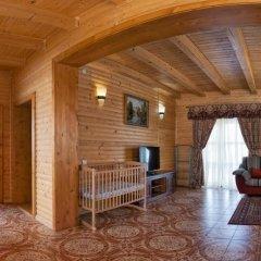 Гостиница Solnce Karpat Коттедж с различными типами кроватей фото 35