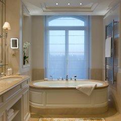 Отель Beau-Rivage Palace 5* Улучшенный номер с различными типами кроватей фото 3