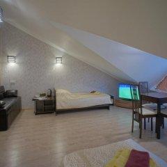 Гостиница JOY Стандартный номер с двуспальной кроватью (общая ванная комната) фото 7