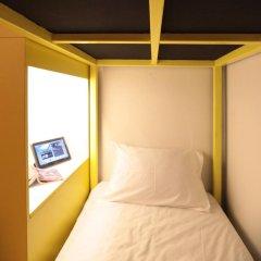 Отель Fulfill Phuket Кровать в общем номере фото 10