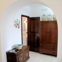 Отель Trullo Vecchio Olivo Альберобелло в номере
