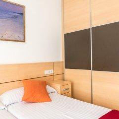 Отель Apartamentos Navas 2 Барселона комната для гостей фото 5