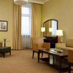 Гостиница Hilton Москва Ленинградская 5* Люкс King corner с двуспальной кроватью фото 2