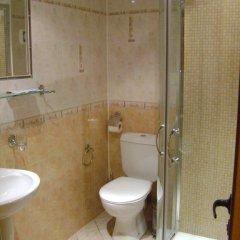 Отель Rozhena Hotel Болгария, Сандански - отзывы, цены и фото номеров - забронировать отель Rozhena Hotel онлайн ванная
