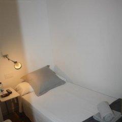 Отель Hostalet De Barcelona 2* Номер с общей ванной комнатой фото 2