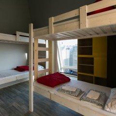 Fabrika Hostel Кровать в общем номере фото 2