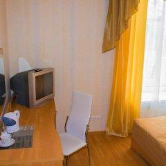 Мини-отель Невская Классика на Малой Морской Стандартный семейный номер с двуспальной кроватью фото 4