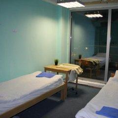 Хостел Оазис Центр Кровать в общем номере с двухъярусной кроватью фото 3